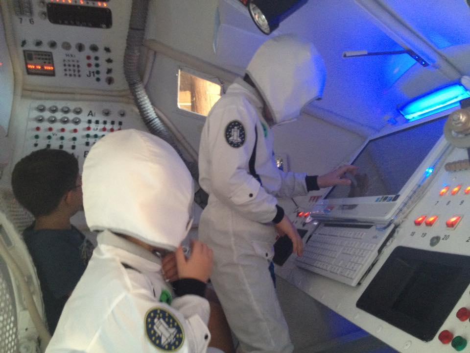 AstronautenKinder_Cockpit