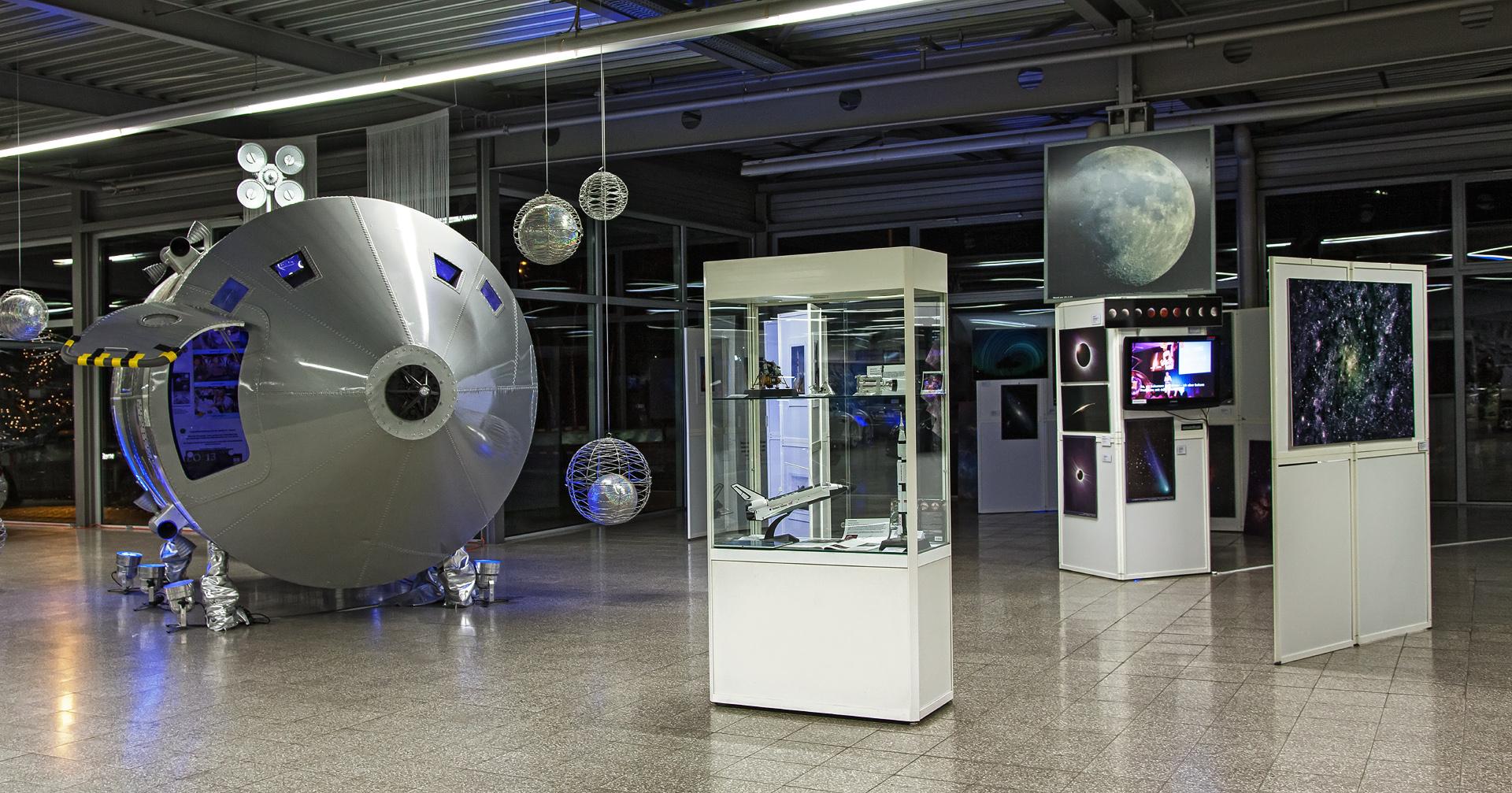 apollo-13-spaceexpo_23932422545_o